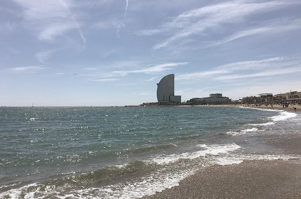 Der Strand Barcelonetta in Barcelona