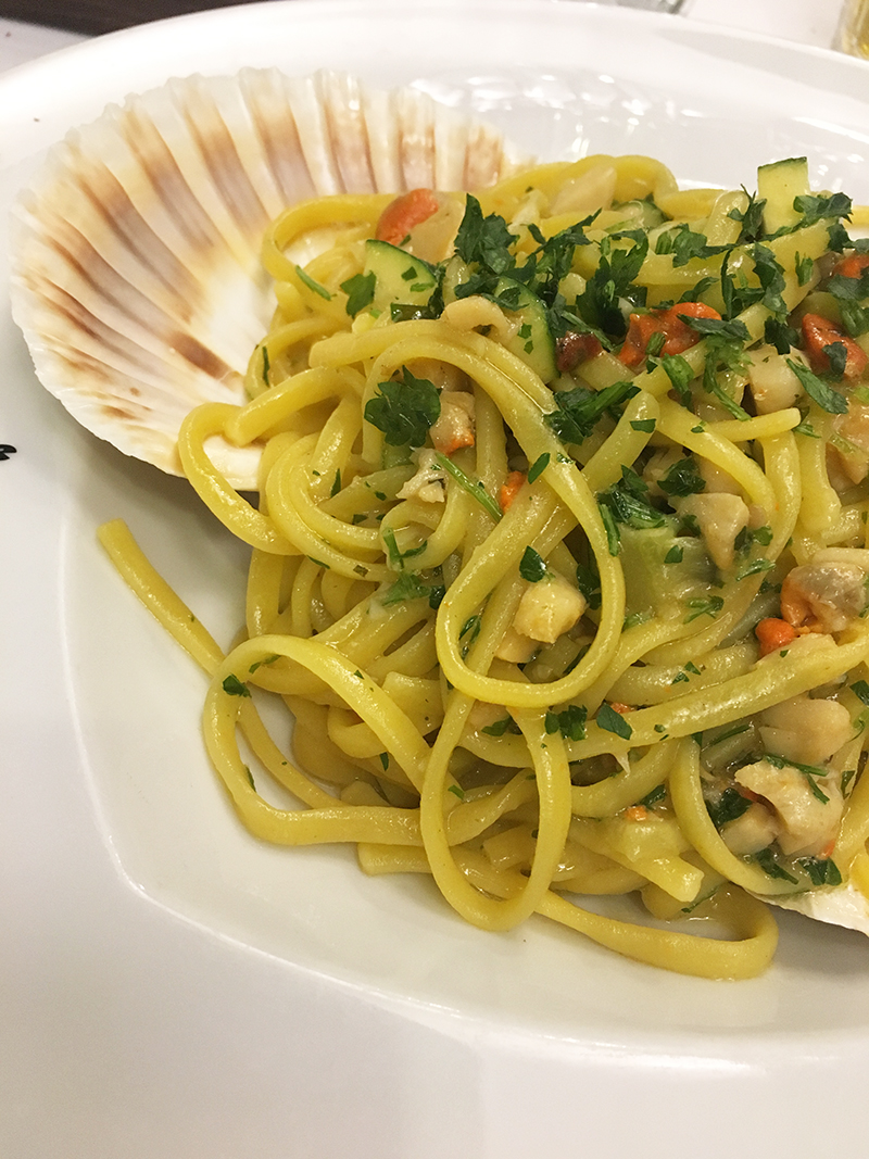 Lignano Sabbiadoro Restaurants da Salvatore Jakobsmuscheln